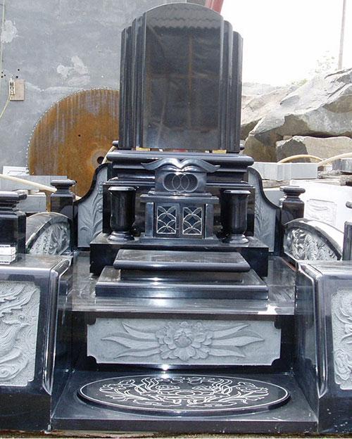 万年青墓碑